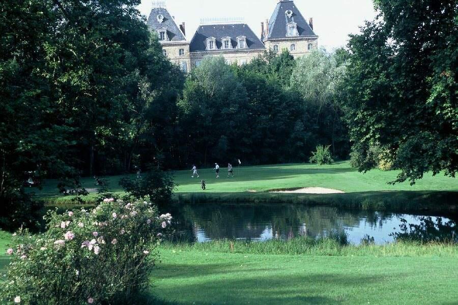 Etang, Hotel, Best Western Golf Albon dans la Drome